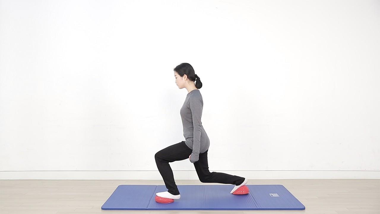 스파이키 돔을 활용한 지압 및 근력운동