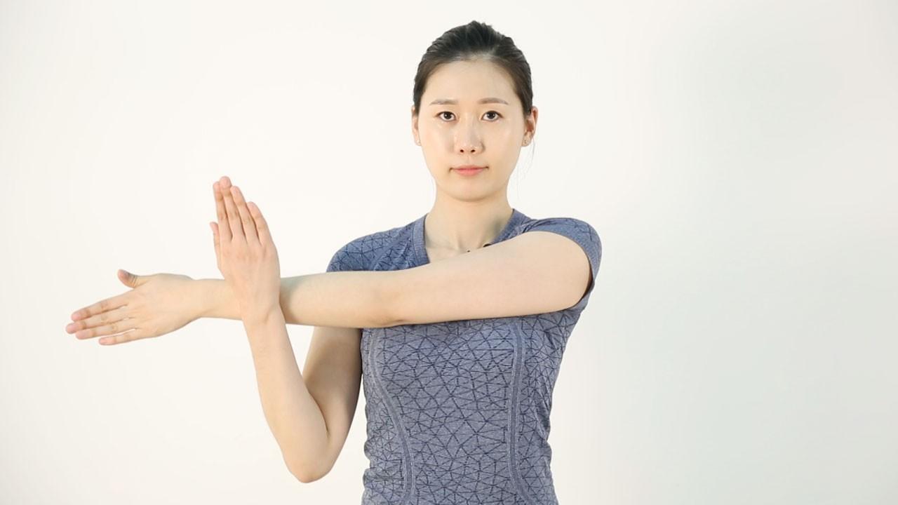 어깨 움직임에 제한이 있는 분들에게 추천하는 어깨 운동