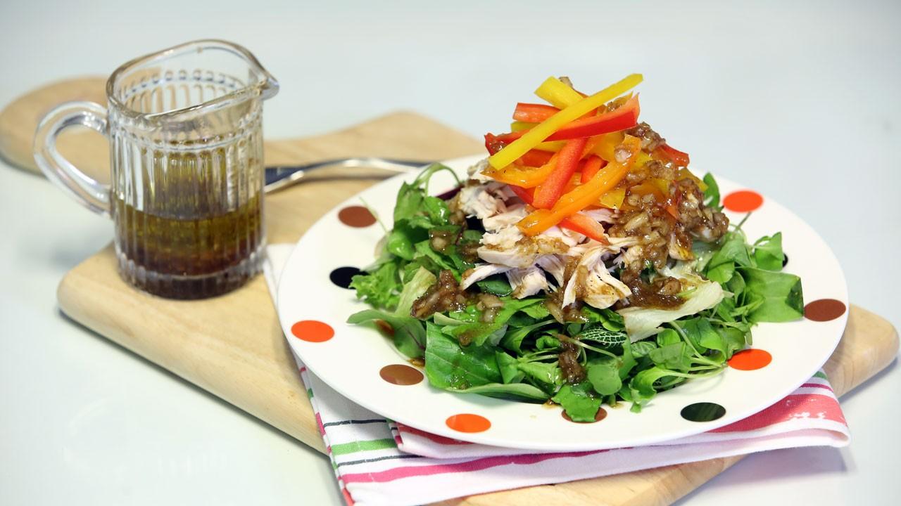 스트레스 막아주는 비타민 황제, 파프리카 닭가슴살 샐러드