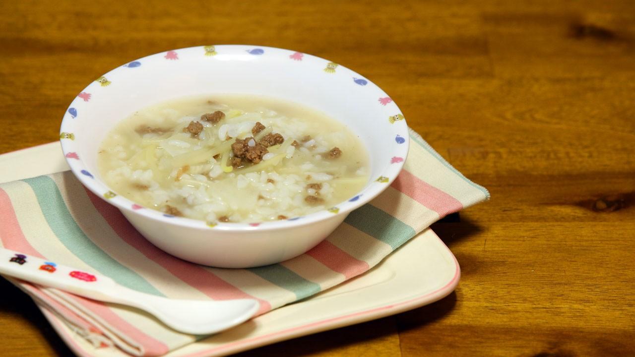 감기 걸린 아기 기력향상엔 소고기무국밥